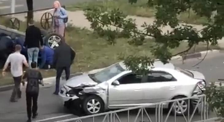 Подробности: в Дашково-Песочне после столкновения с Шевроле перевернулся Хюндай