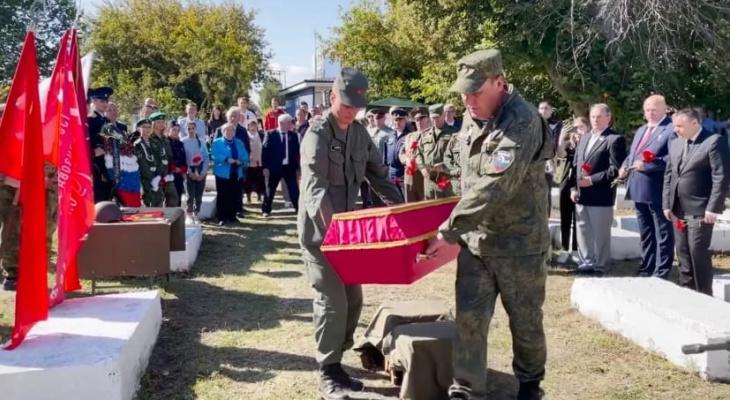 Похороны спустя несколько лет: останки красноармейца предали Спасской земле
