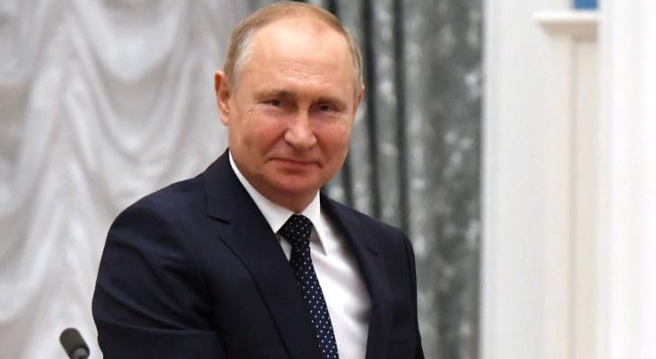 Путин вынужден самоизолироваться: в окружении не уследили за ковидом