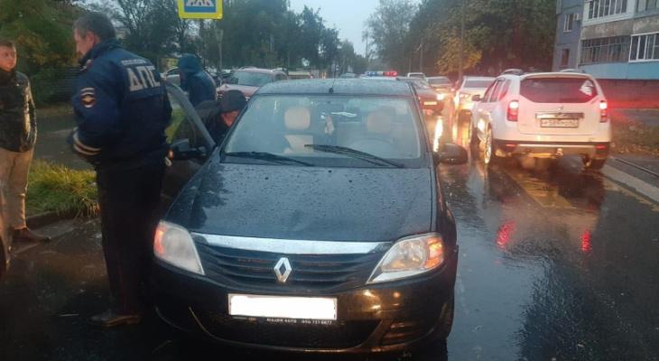 Авария на Новоселов: водитель совершил наезд на детей
