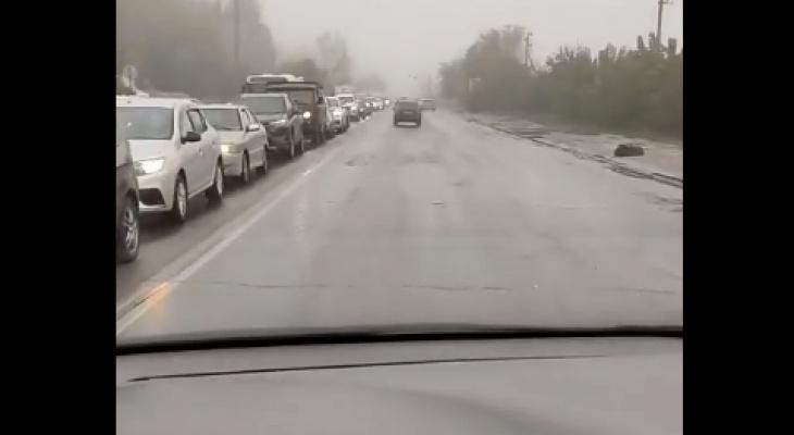 Утро в Рязани началось с аварии: пробка на Северной окружной растянулась на километр