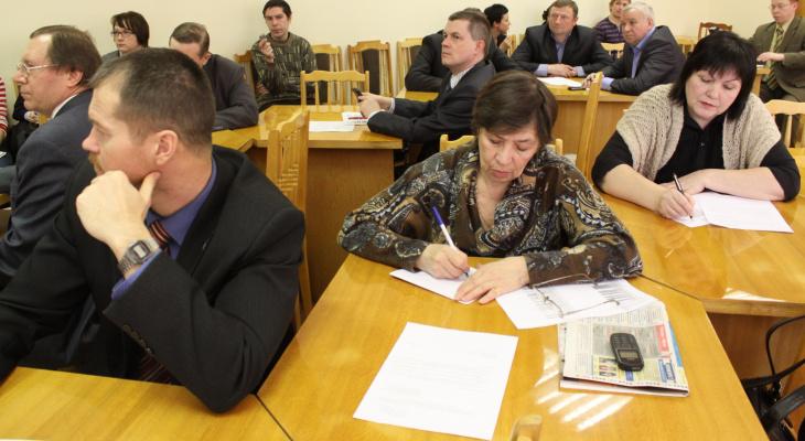 Зампред Рязанского правительства призвал бороться с устройством на службу родных и детей чиновников