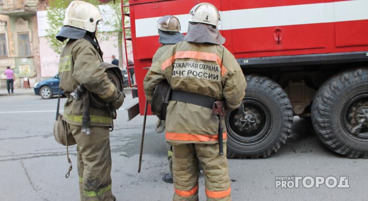 Пожар на Новоселов - загорелась квартира в пятиэтажке. Пострадал пенсионер