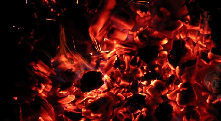 Ночью в Рязани сгорела квартира в жилом доме