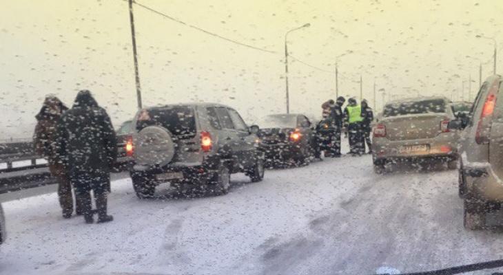 В Рязани на Северной окружной дороге произошло массовое ДТП