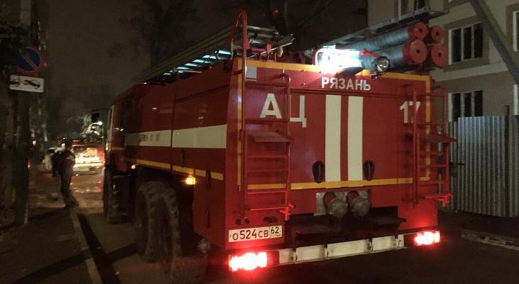 В Рязани сгорел гараж с автомобилем внутри: погиб 38-летний мужчина