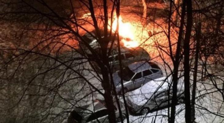 Ночью в Рязани сгорел еще один автомобиль