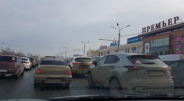 В центре города из-за ДТП образовалась трехкилометровая пробка