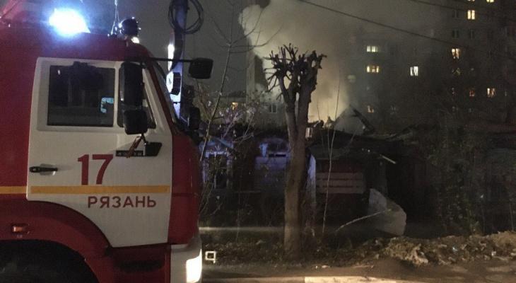 """На улице Кальной загорелась квартира в """"девятиэтажке"""""""