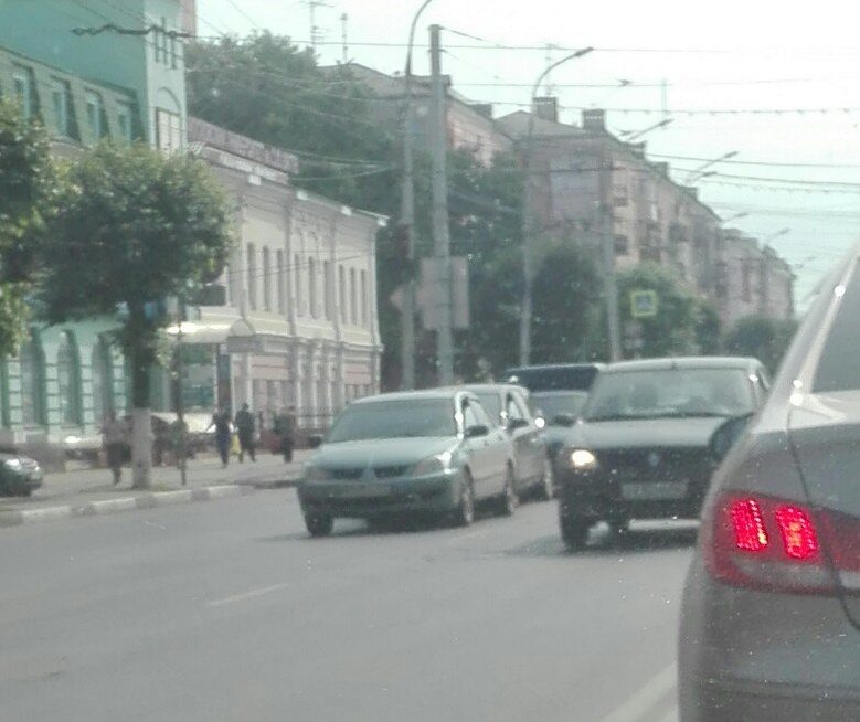 На Первомайском проспекте столкнулись 4 автомобиля