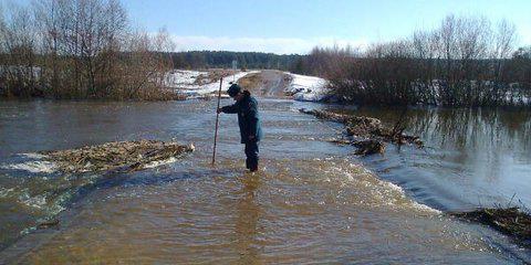 Низководные мосты в Рязанской области затопило